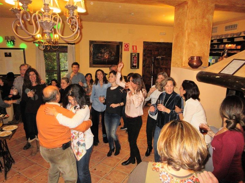 Baile en el salón del hotel