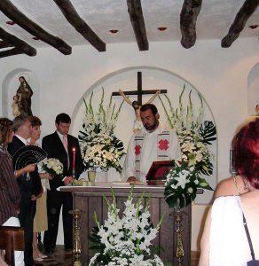 Celebración de un aniversario de boda en la capilla