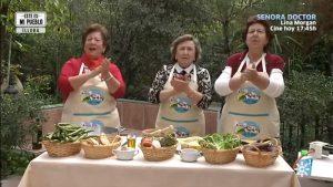 Tres señoras de Íllora cantando para el programa Éste es mi pueblo, de Canal Sur